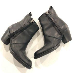 ACNE STUDIOS Pistol Matte black leather bootie